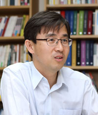 박 근 용 (朴根勇) 참여연대 공동사무처장. 공저 『MB의 비용』이 있음