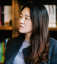 강지희 (姜知希) 문학평론가.