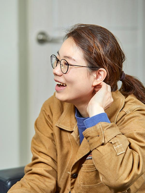 최나현(崔娜賢)